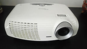 Optoma DLP projector with two extra lamps