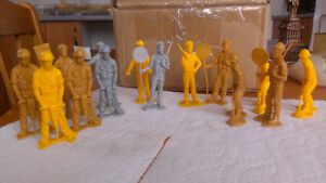 Construction figures en plastic.