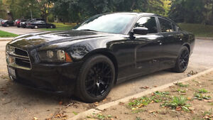 2013 Dodge charger -- CLEAN -- 2500km on new engine, etested