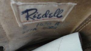 Groovy Pair of Vintage White Leather Roller Skates Size 8 London Ontario image 3