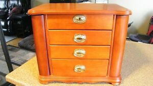 Large Jewelry Box-new condition