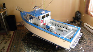 82 INCH LARGE SCALE RC DANTILU RP BOAT ONE OF A KIND