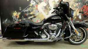 2012 Harley Street glide. Everyones approved. $399 a month.
