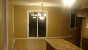 2 chambres, spacieux, style condo