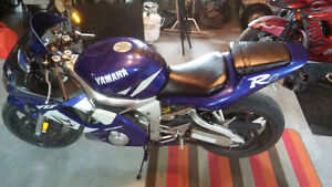 Yamaha R6 for sale or trade for a drit bike