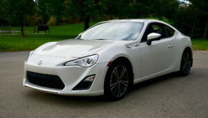 2013 Scion FRS Premium - LOW KM - NEED GONE