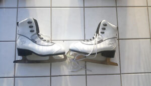 Like New - CCM Ice Skates - Women 8.5