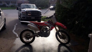 2015 CRF 250r FOR SALE