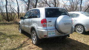 2001 Lady-driven Toyota Rav4. Make a reasonable offer!