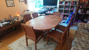 Beautiful  Teak Dinning table with 6 solid chairs  REDUCED!  700