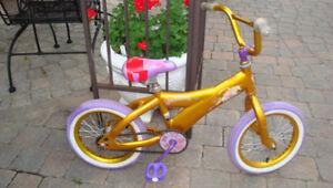 Bicyclette de fille + casque