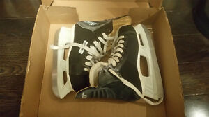Ice Hockey Skates - Bauer - Size 2