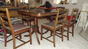 antique mahoganay table and chairs