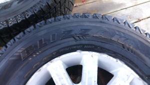 4 pneus hiver blizzak 265-70-17 avec mag