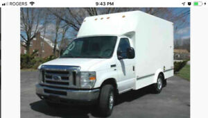 LOOKING TO BUY>GMC/CHEVY/FORD>>UNICELL CARGO/CUBE/CUTAWAY VAN