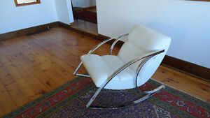 Vintage Rocking Chair - Excellent condition