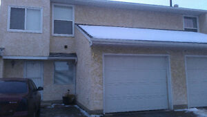 Townhouse For Rent In A Nice Location.