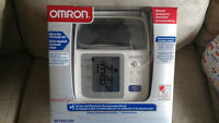 Tensiomètre (blood pressure monitor) Omron