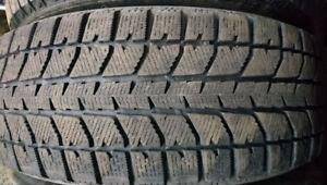 2 pneus hiver 205/65R15 bridgestone blizzak WS 70,