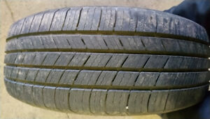 4 pneus été 215/65R17