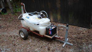 25 Gallon Deluxe Tow Type Sprayer