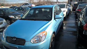 2009 Hyundai Accent Sedan LOW MILAGE AC Automatic One owner