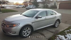 2010 Ford Taurus (winter tires and leather)