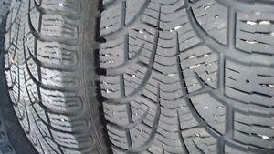 4 pneus hiver Pirelli P195/60/15 sur jantes Acura EL