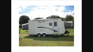 2011 jfeather hybrid travel trailer for rent
