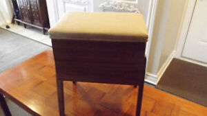MID  CENTURY  SEWING  BOX / BENCH