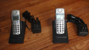 Aastra 480i CT cordless VoIP phones, with charge and base