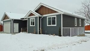 *OPEN HOUSE SUN 26* 2567 Young Ave NEW BUILD