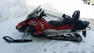 2009 Ski-Doo Grand Touring GTX LE - LOW KM - EXCELLENT CONDITION