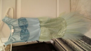 Mermaid costume 5to6yrs old never been used