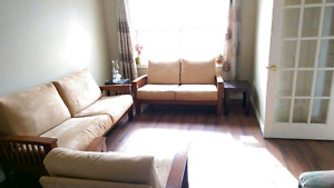 3 pc living room set. Couch, loveseat and chair
