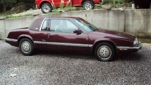1990 Buick Riviera Coupe (2 door)
