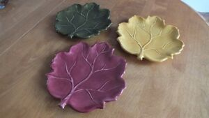3 Leaf Plates.  Perfect for the deck or cottage. 3 for $5