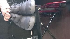 Chaise Roulante De Transport + Botte Des Diabétique + Camping