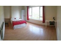 "House share - 3X rooms available in 3 bedroom house ""Lovell Park Hill, Leeds LS7 1DF"""