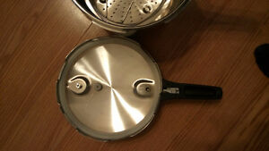 new stainless steel pressure cooker Kitchener / Waterloo Kitchener Area image 4