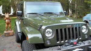 2016     75th Anniversary Sarge Green Jeep Wrangler