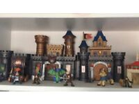 play castle with figures and accessories