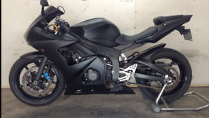 Blacked out Yamaha r6