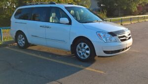 2007 Hyundai Entourage GLS w/Leather Minivan, Van