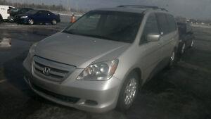 *****   Honda Odyssey 2007 8  places + PNEUS NEUFS + Mags