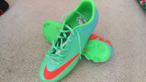 NEW Nike Soccer Cleats