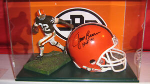 Autographed Jim BROWN Cleveland Browns Football Display