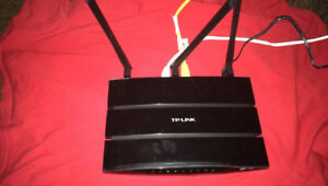 TP-LINK DUAL BAND WIRELESS ROUTER NEED GONE