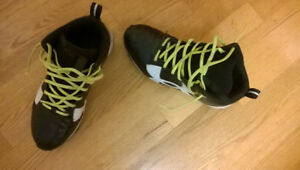 Under Armour football cleats for children almost new