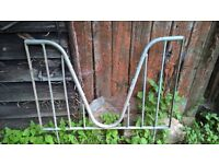 Horse stable metal weave bars